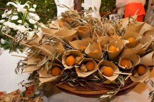 Grande cesto con coppi di misto fritto siciliano