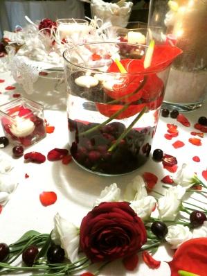 Dettaglio della confettata in rosso: ciliegie immerse