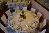 tavolo rotondo sala cantina